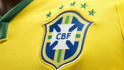 Novo golpe do WhatsApp promete camisa da seleção brasileira de brinde