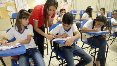 Instalar chips de rastreio em uniformes escolares viola Marco Civil da Internet