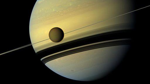 Novo mapa de Titã revela que a lua de Saturno é coberta por material orgânico