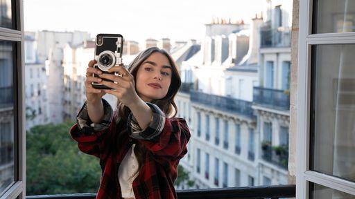 Crítica | Emily em Paris não economiza no estereótipo e acerta apenas no visual
