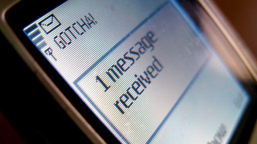 Primeira mensagem SMS faz aniversário de 25 anos