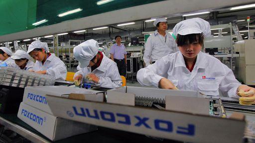 Estagiários trabalharam ilegalmente por 11 horas diárias para montar o iPhone X