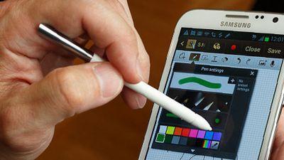 Galaxy Note II, funções de smartphone e tamanho de tablet