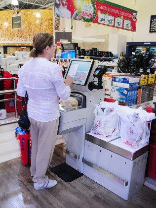 Caixa de autoatendimento supermercado