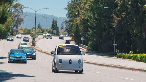 Carros autônomos do Google serão capazes de detectar veículos da polícia