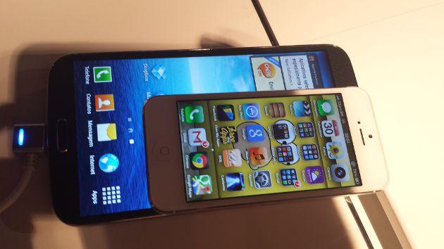 Galaxy S4 LaComparação de tamanho: Galaxy Mega 6.3