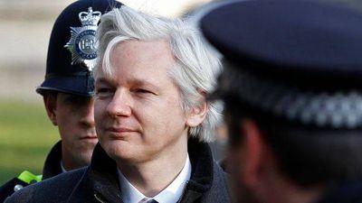 Julian Assange, fundador do WikiLeaks, é preso em Londres