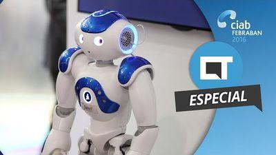 """NAO, o robô da IBM que """"aprende"""" com as pessoas [CIAB 2016]"""