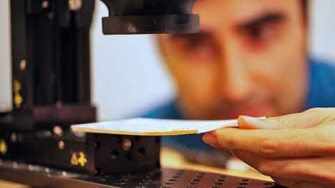 MIT desenvolve câmera capaz de ler um livro sem precisar abri-lo