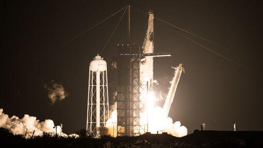 Crew-1: NASA e SpaceX lançam 4 astronautas à ISS com sucesso neste domingo (15)