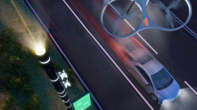 Itália terá rodovia inteligente com postes conectados e drones
