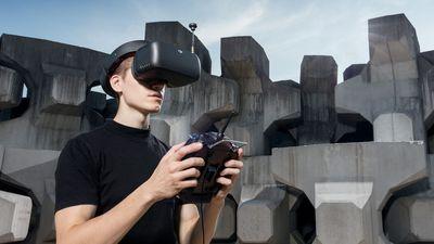 DJI lança nova geração de óculos para pilotos de seus drones