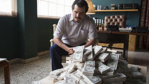 Escobar foge da prisão e quer vingança no trailer da segunda temporada de Narcos