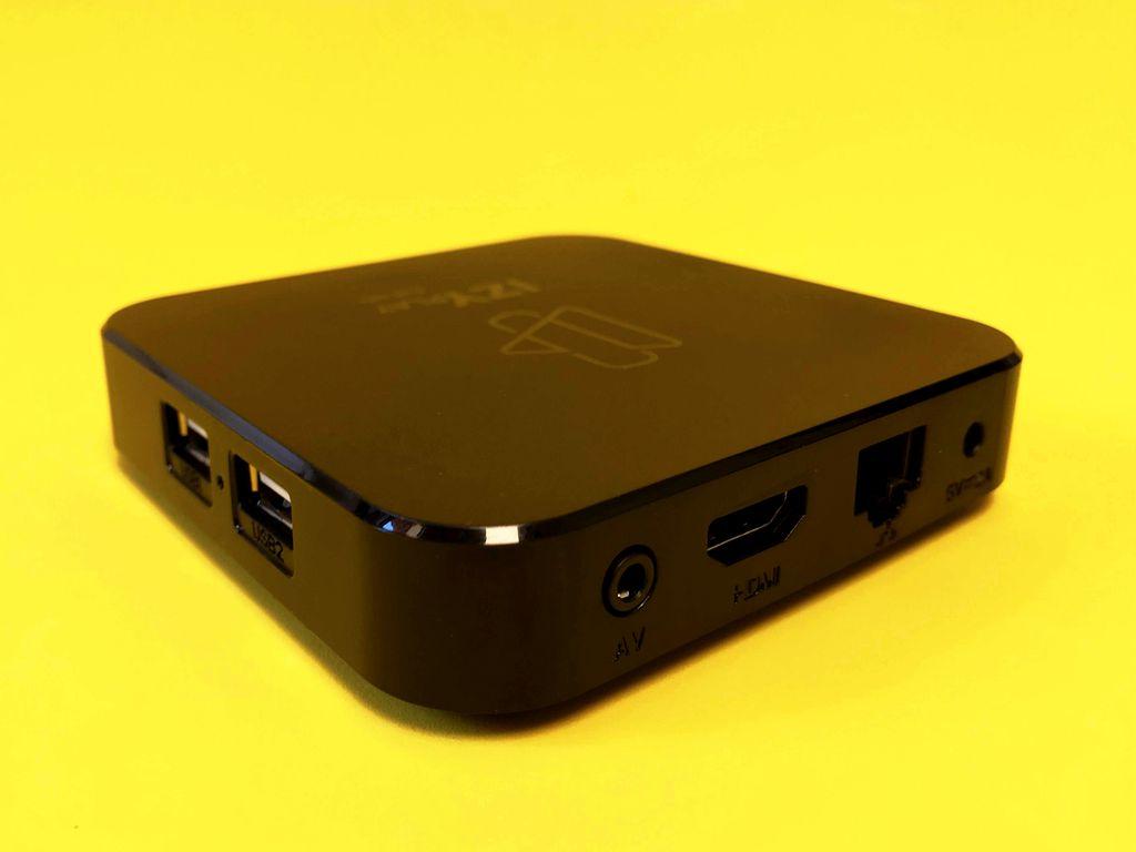 As duas portas USB e compatibilidade com Bluetooth são uma mão na roda na Intelbras Izy Play, permitindo expandir armazenamento, conectar headsets e outros dispositivos sem dificuldades
