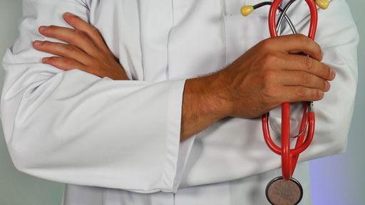 Maio vermelho | Como a tecnologia pode ajudar na luta contra a hepatite?