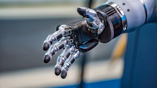 Mão robótica consegue se adaptar aos objetos sem a ajuda de sensores
