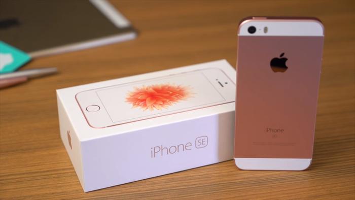 iPhone SE vende bem nos Estados Unidos e está praticamente esgotado