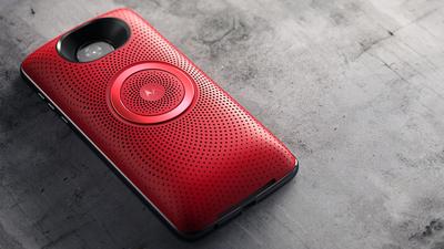Motorola lança speakers com som stereo para Família Moto Z por R$ 399