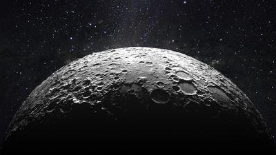 Cientistas encontram prova de que a Lua abriga água congelada em seus polos