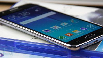 Samsung Galaxy J5 (2016) finalmente começa a receber atualização 7.1.1 Nougat