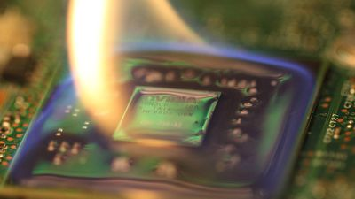 Novo plástico pode fazer telefones funcionarem em temperaturas extremas