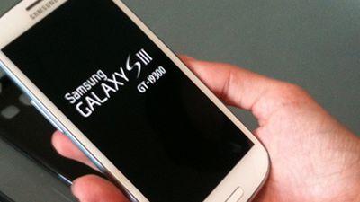Samsung Galaxy S III supera iPhone 4S e é novo líder mundial em vendas