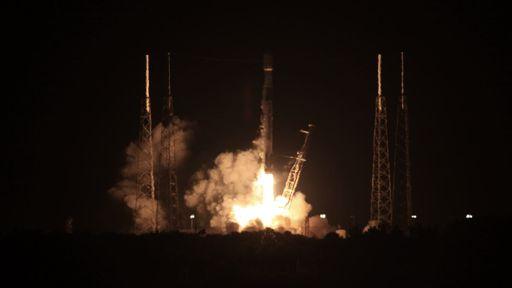 SpaceX lança novos satélites Starlink e já tem mais de 1.300 unidades em órbita