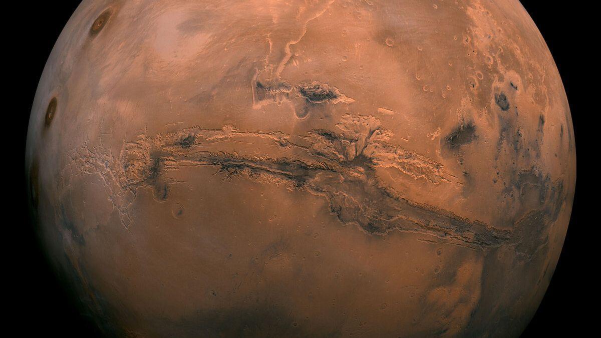 """Água salgada está """"apagando"""" registros do passado de Marte, marcado em minerais"""