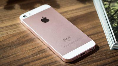 """Segundo rumor, Apple lançará """"iPhone SE 2"""" no ano que vem"""