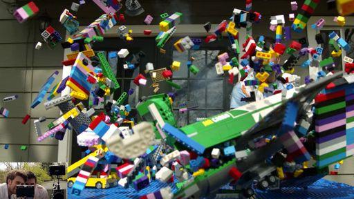 Confira a devastadora queda de um avião sobre uma cidade de LEGO em câmera lenta