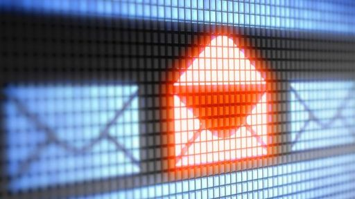 Número de golpes com e-mails falsos de empresas quase dobra entre abril e maio