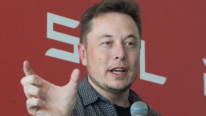 Elon Musk faz declarações polêmicas sobre o novo coronavírus