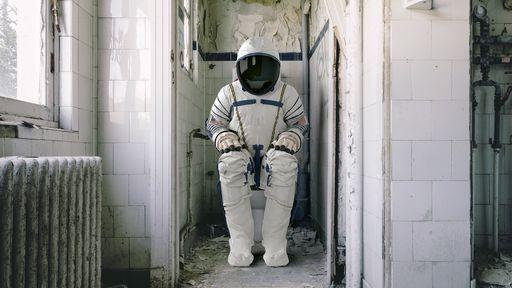 """ISS ganha novo banheiro e astronautas vão """"se aliviar"""" com mais conforto"""