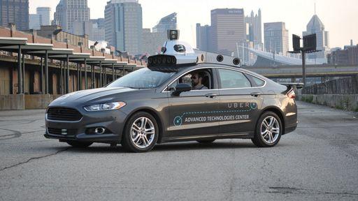 Carros autônomos da Uber começam a se meter em confusões