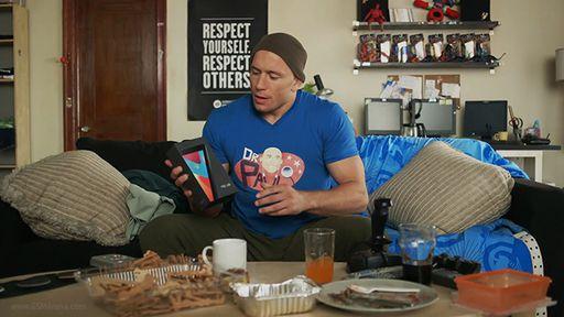 Vídeo: Comercial divertido do Nexus 7 conta com a participação de lutador do UFC
