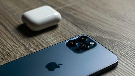 Como usar os AirPods em outro iPhone ou iPad