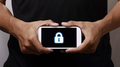 Criminosos estão roubando dados de celulares ao trocarem telas quebradas