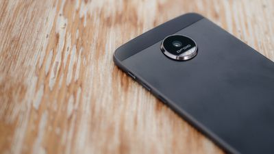 Novo Snap da Motorola une TV digital e bateria adicional de 2.800 mAh