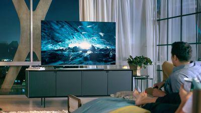 Smart TVs da Samsung ganharão suporte a assistentes virtuais e serviços da Apple