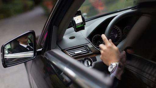 Uber e Lyft são acusados de pagar motoristas para protestarem a seu favor