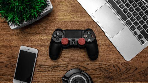 Como usar um controle PS4 ou Xbox One para jogar no iPhone ou iPad