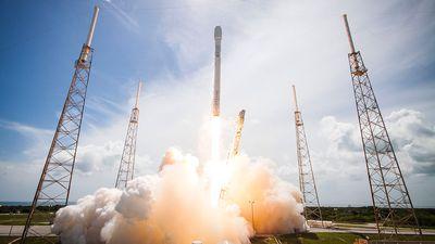 SpaceX lança satélites para testar possibilidade de uma internet mais rápida