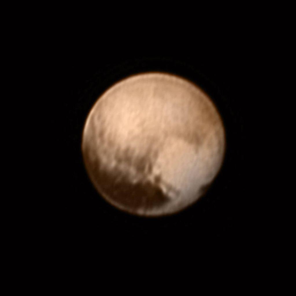 Plutão baixa resolução