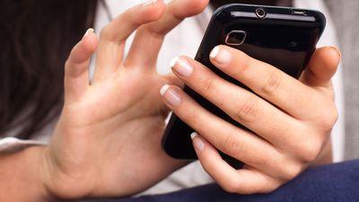 Dispositivos móveis ajudam latino-americanas a melhorar vida no trabalho