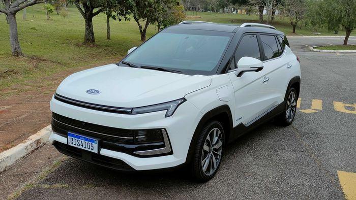 Review JAC E-JS4 | SUV 100% elétrico chega para mudar o patamar da marca chinesa