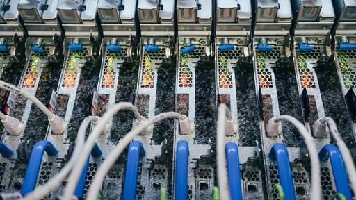Microsoft está usando líquido fervente para resfriar data centers; entenda