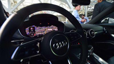 """Audi ensina a """"linguagem dos faróis"""" aos seus automóveis"""