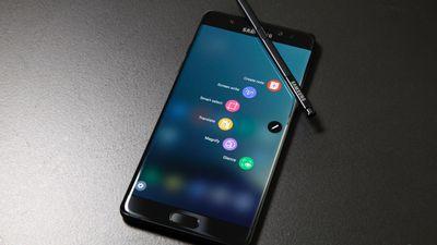 Ainda tem gente usando o Galaxy Note 7, e isso é um perigo
