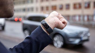 Carros da Volvo podem ser controlados por comando de voz com a Microsoft Band 2