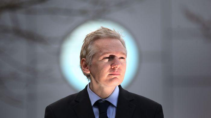 Suécia pede para interrogar Julian Assange em Londres